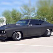 Pro-street 69 Chevelle with a 454