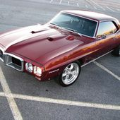 Gorgeous '69 Pontiac Firebird.