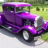 A great old car in purple!
