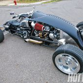 I would love to take a ride on this open cockpit hot rod!