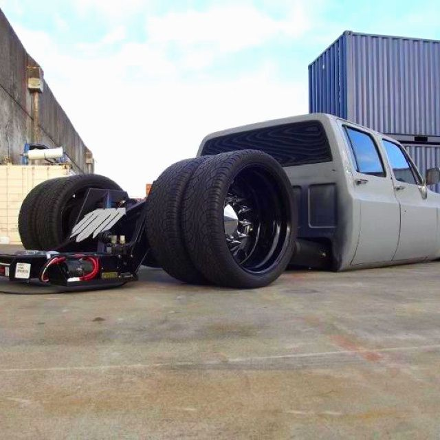 Bagged Square Body Chevy Dually